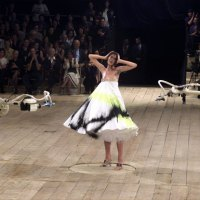 Remembering Alexander McQueen, Style Icon Tribute Blog (Spring/Summer 1999, 2001-2010) (Page 1)