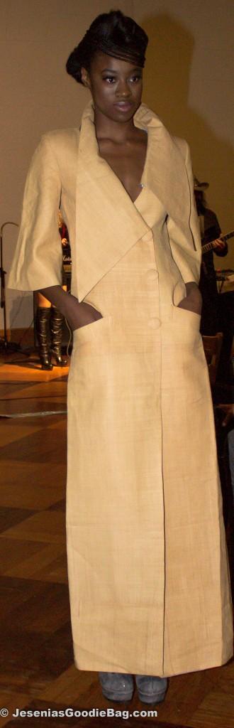 Lea Mono Fashion