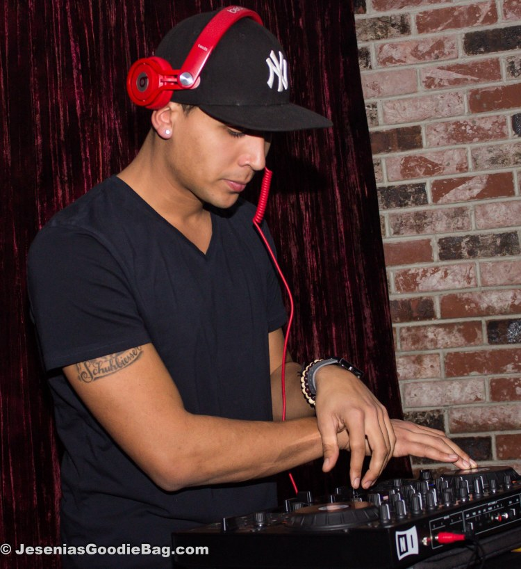 DJ Hova T