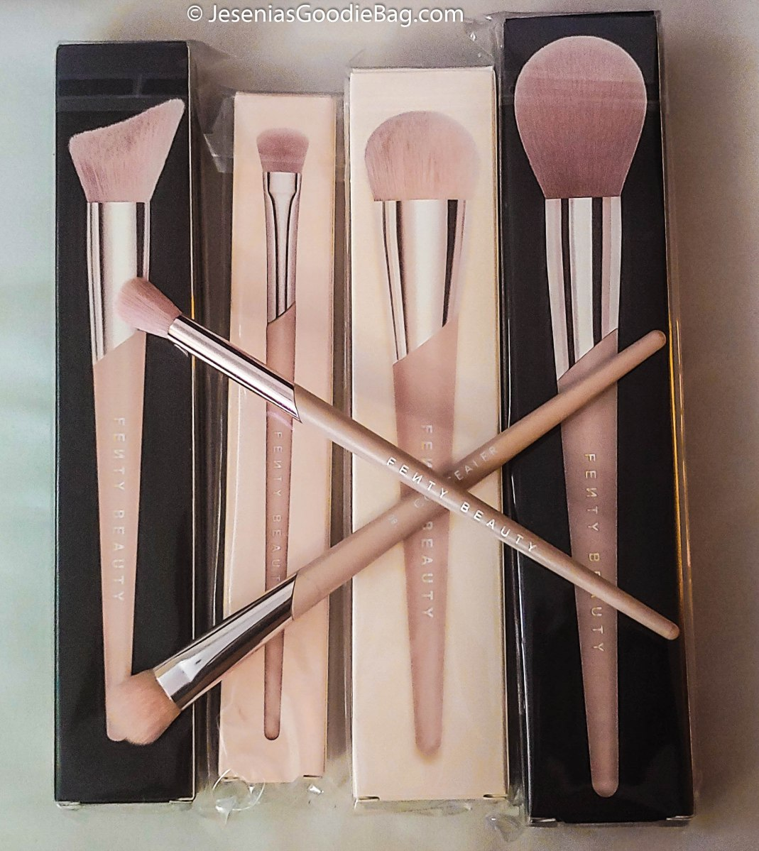 Fenty Beauty by Rihanna x Sephora - Pink Makeup Brushes